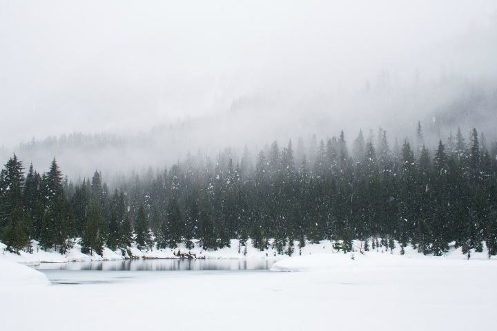 Ski fall snowfall